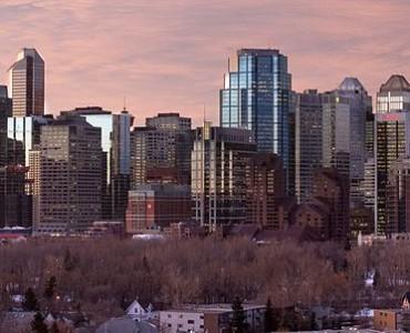 640px-Calgary-Dawn-Szmurlo