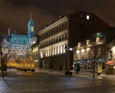 640px-Place_Jacques-Cartier_Jan_2006